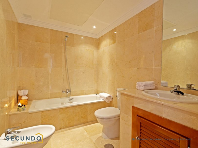 Appartement costa del sol superbe d veloppement de for Bathroom showrooms costa del sol