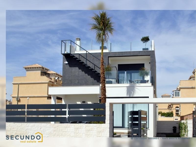 Villa costa blanca belles villas 3 chambres situ es for Belles terrasses amenagees